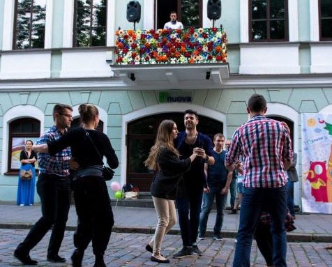 """Nauja scena mieste – """"Muzikinis balkonas"""""""